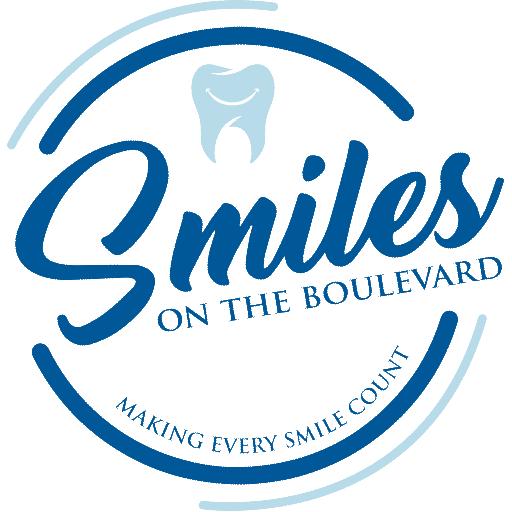 Smiles on the Boulevard